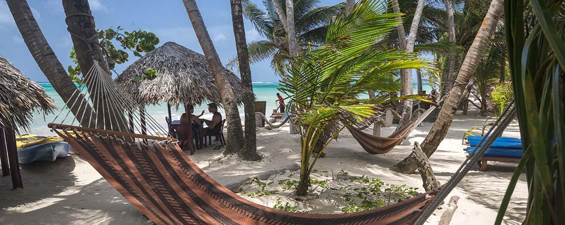 karibik_nicaragua_little_corn_island_beach_and_bungalow_strand