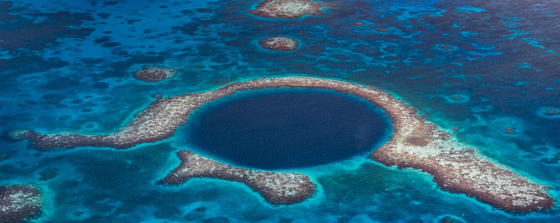 banner_belize_blue_hole_lighthouse_reef_tauchen_tauchplatz